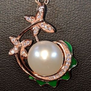 Jewelry - Rose Gold CZ Sea Pearl Pendant Necklace 🥰